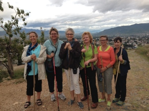 Hiking with girlfriends to the cross above Oaxaca