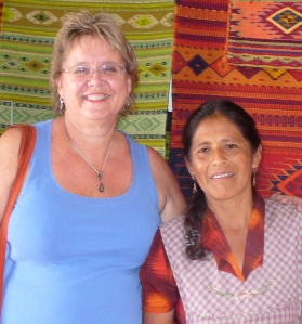 With En Vía borrower and weaver Crispina, 2012